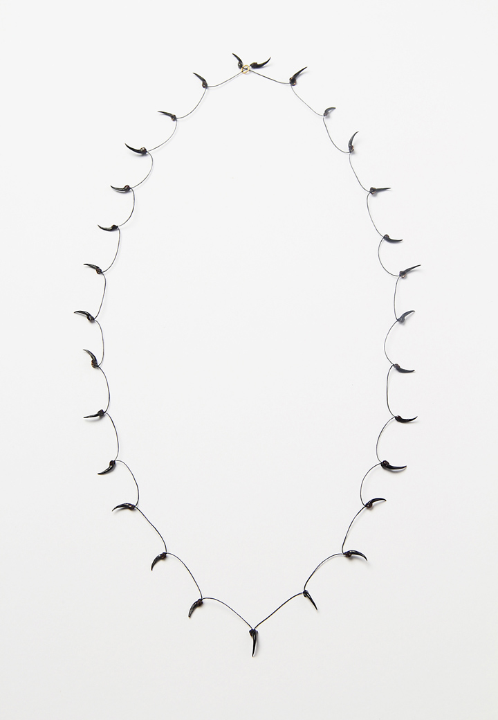 Extraordinary! No.1: The spider silk necklace of Nicola Scholz